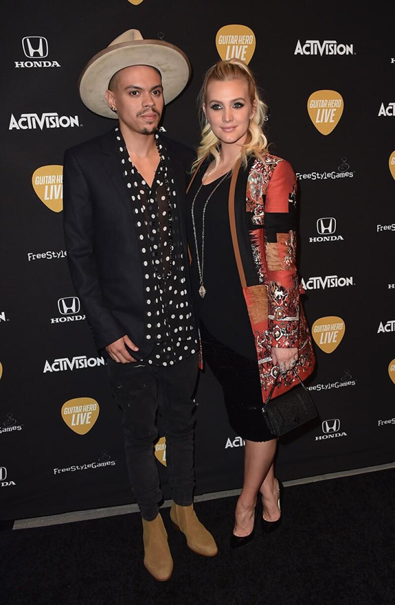 La cantante y diseñadora asistió esta semana al lanzamiento de Guitar Hero Live, donde lució muy guapa junto a su esposo Evan Ross.