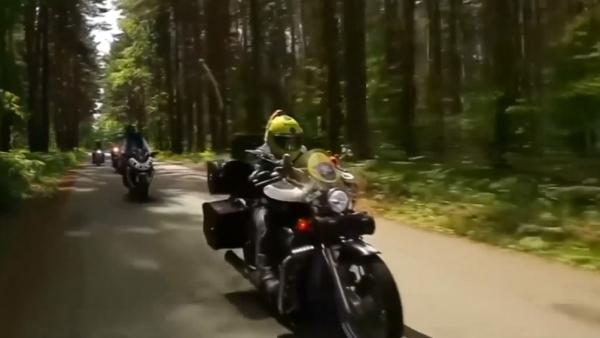 La edad nunca será un impedimento para esta banda de mujeres motociclistas