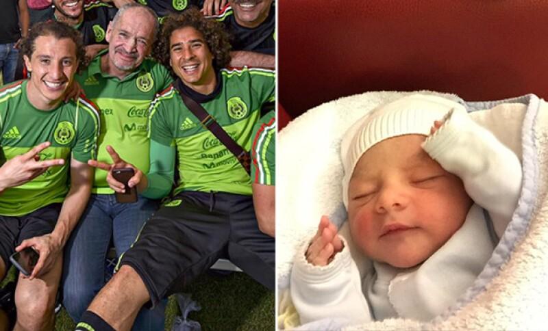Andrés Guardado, quien se lleva muy bien con Memo Ochoa también fue papá hace unos días.