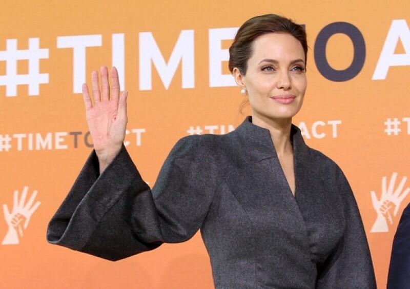 Hace casi año y medio la actriz dio las razones que la llevaron a practicarse una mastectomía doble, aunque no tenía cáncer. ¿Su decisión fue contraproducente para la lucha contra el cáncer de mama?