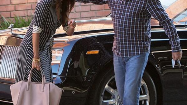 La actriz se mostró feliz en su encuentro con Emilio Azcárraga.
