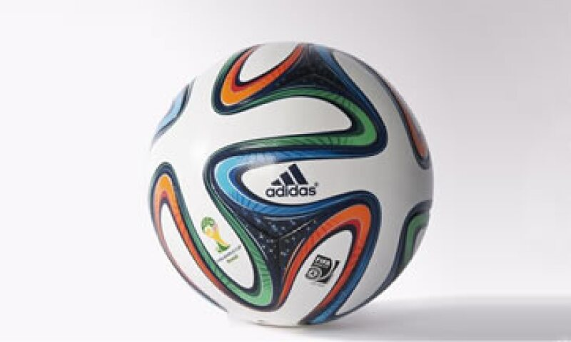 La versión especial para la final cuesta alrededores de 2,000 pesos mexicanos. (Foto: Tomado de www.adidas.mx/brazuca)