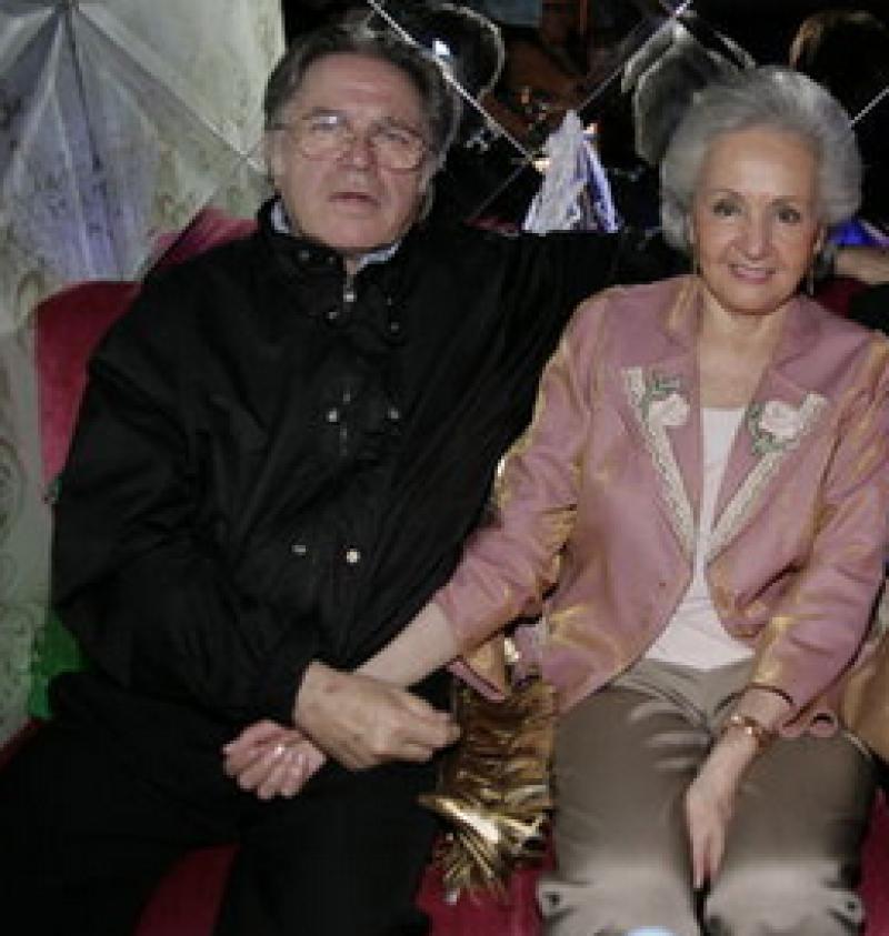 Federico y su esposa Gabriela durante un festejo de cumpleaños de su hijo Óscar.