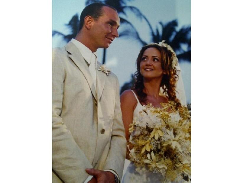 Andrea y Erik cumplieron 12 años de matrimonio, este 1 de abril.