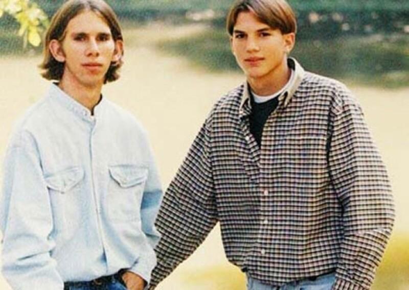 Michael Kutcher y Ashton Kutcher, mellizos que nacieron en Iowa.