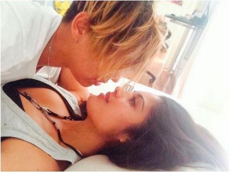 Patricia Yurena publicó esta foto con la que dio a conocer su romance con la DJ conocida como Vanesa Klein.
