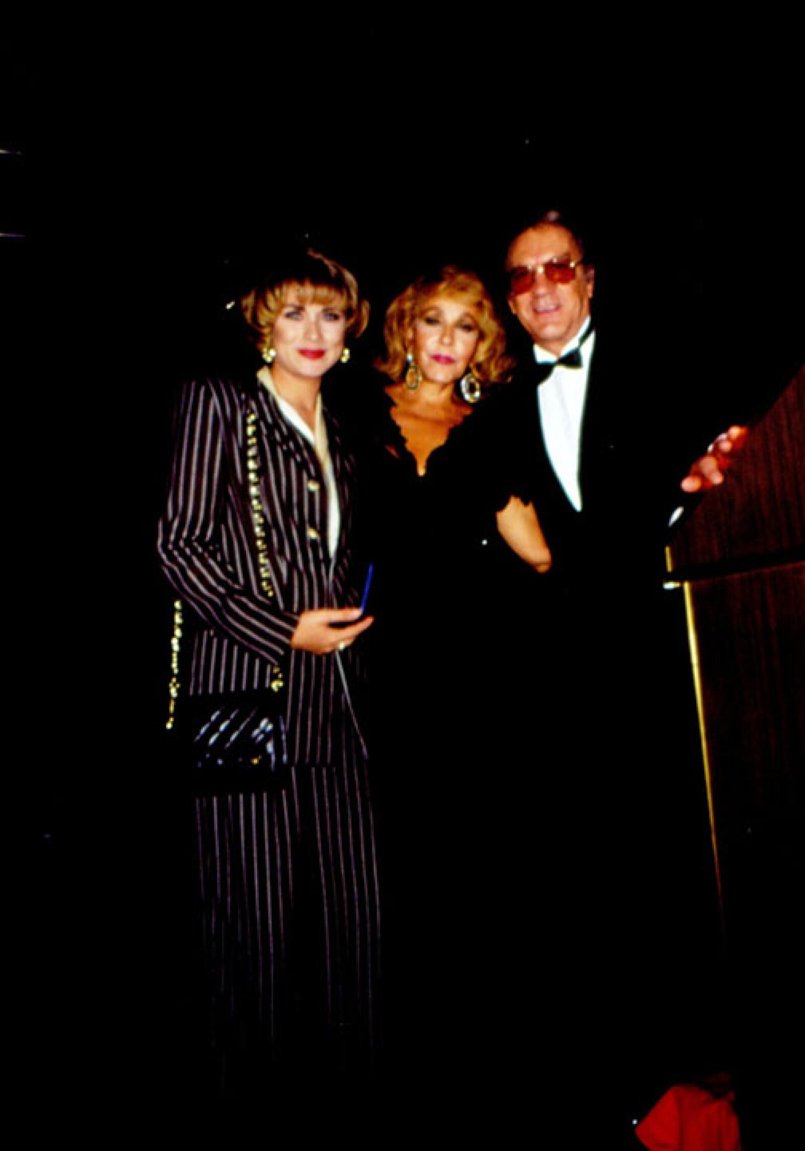 Con Silvia Pinal y Leticia Calderon en un evento en el Hotel Camino Real 1993.