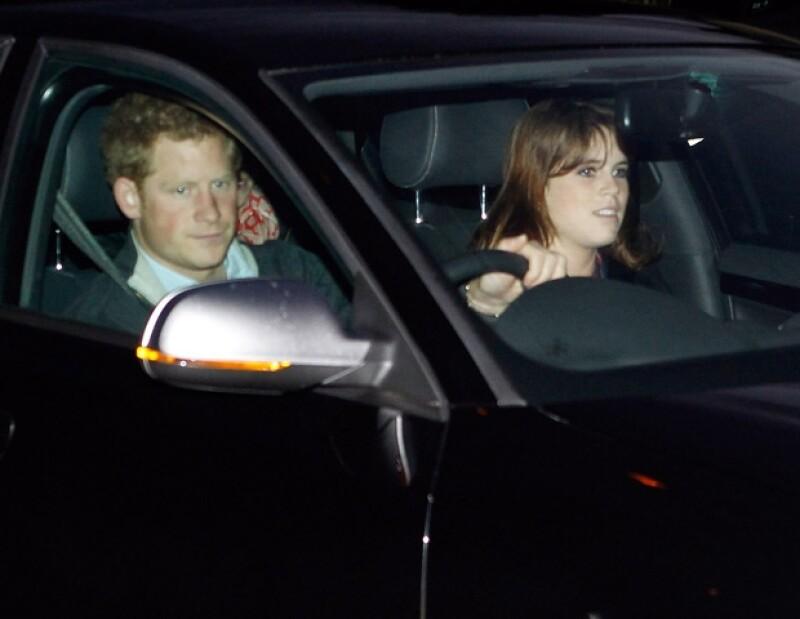Los príncipes William y Harry visitaron a su abuelo, el Príncipe Felipe, quien permanece hospitalizado por problemas en el corazón.