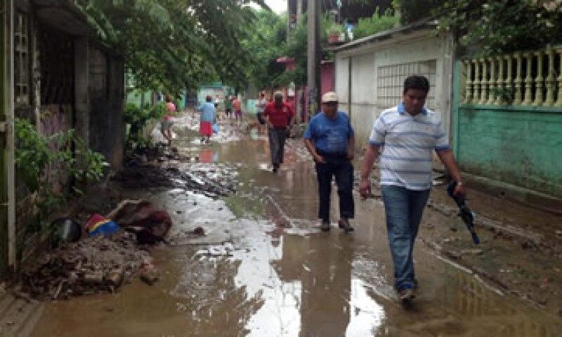 Las catástrofes naturales, como las inundaciones, suelen afectar a los más pobres.(Foto: Notimex)