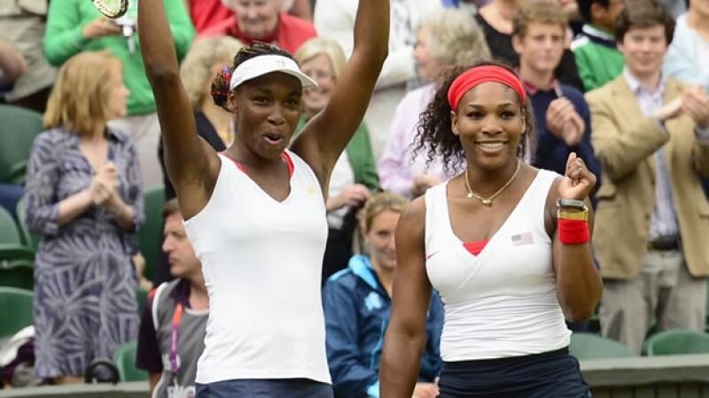 Venus y Serena Williams ganan oro en dobles