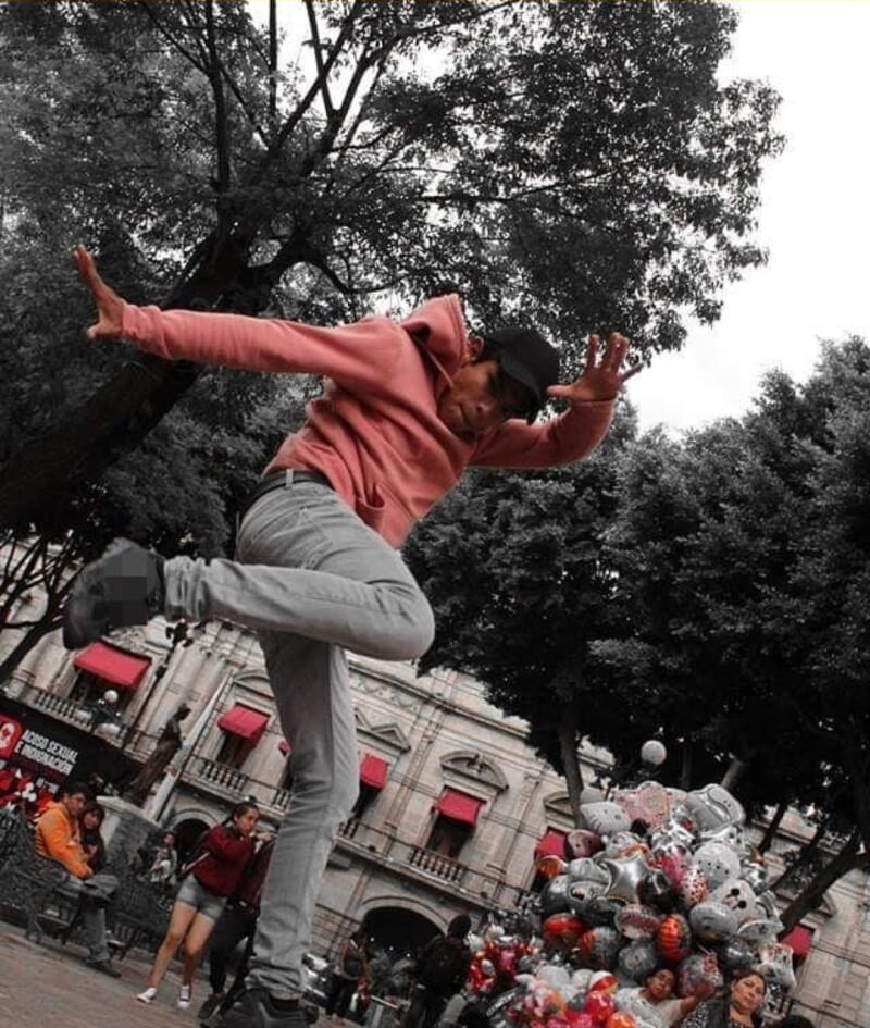 Omar bailarín.jpeg