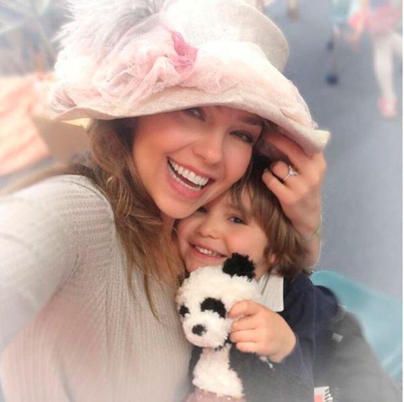 Con esta imagen Thalía celebró esta emotiva fecha.