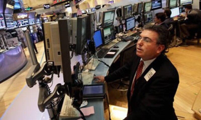 En la semana, el Dow perdió 2.7%, mientras que el S&P 500 y el Nasdaq retrocedieron 3 y 3.2%, respectivamente. (Foto: Thinkstock)