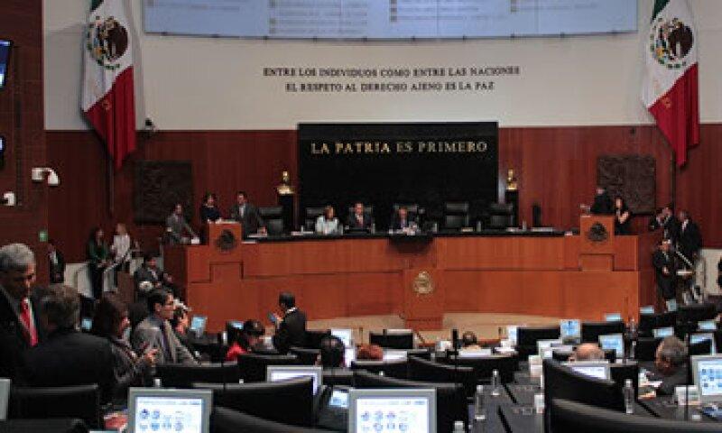La ley aprobada por los senadores establece un mecanismo flexible ante coyunturas adversas en materia energética (Foto: Twitter/@CanalCongreso )