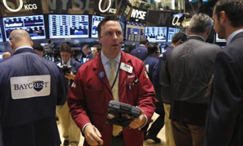 La Fed actualmente compra 85,000 mdd en bonos para alentar a la economía estadounidense. (Foto: Reuters)
