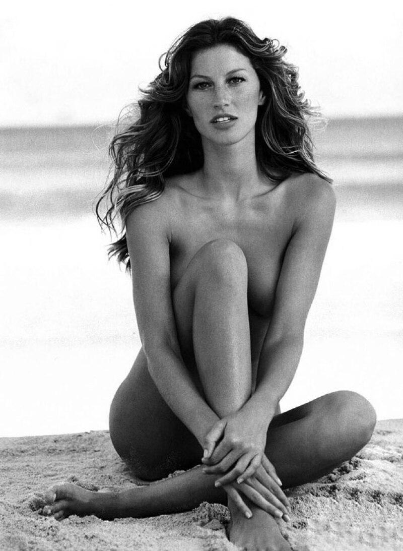 ¿Lo pagarías? La súpermodelo sorprenderá a sus fans con la publicación de los mejores desnudos que ha hecho a lo largo de su carrera.