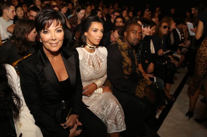 Tanto Kim como Kanye, así como Kris Jenner acuden frecuentemente a las muestras de colecciones más importantes de Europa.