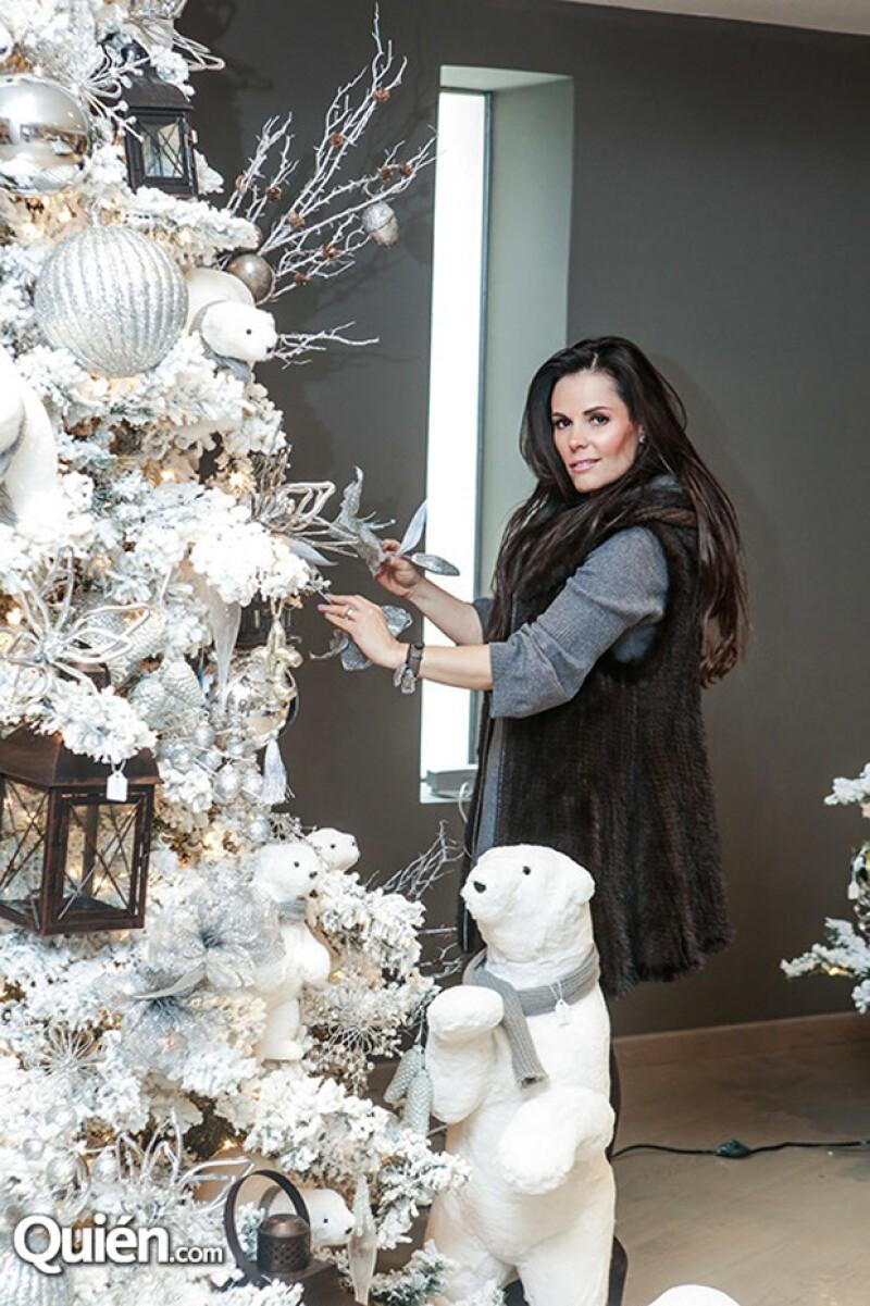 Christmas Season Bazar Y Gaby Murillo abren una exclusiva exhibición de árboles y adornos de Navidad hasta el 4 de octubre en el salón Peñasco del Fraccionamiento La Punta.