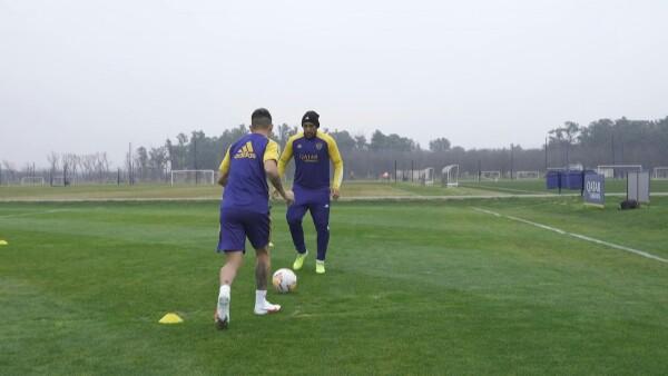 Boca Juniors suspende entrenamientos y aísla al plantel tras casos de COVID-19