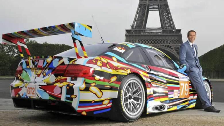 Anteriormente, personalidades como Roy Lichtenstein, Andy Warhol y Robert Rauschenberg han pintado también modelos de BMW.