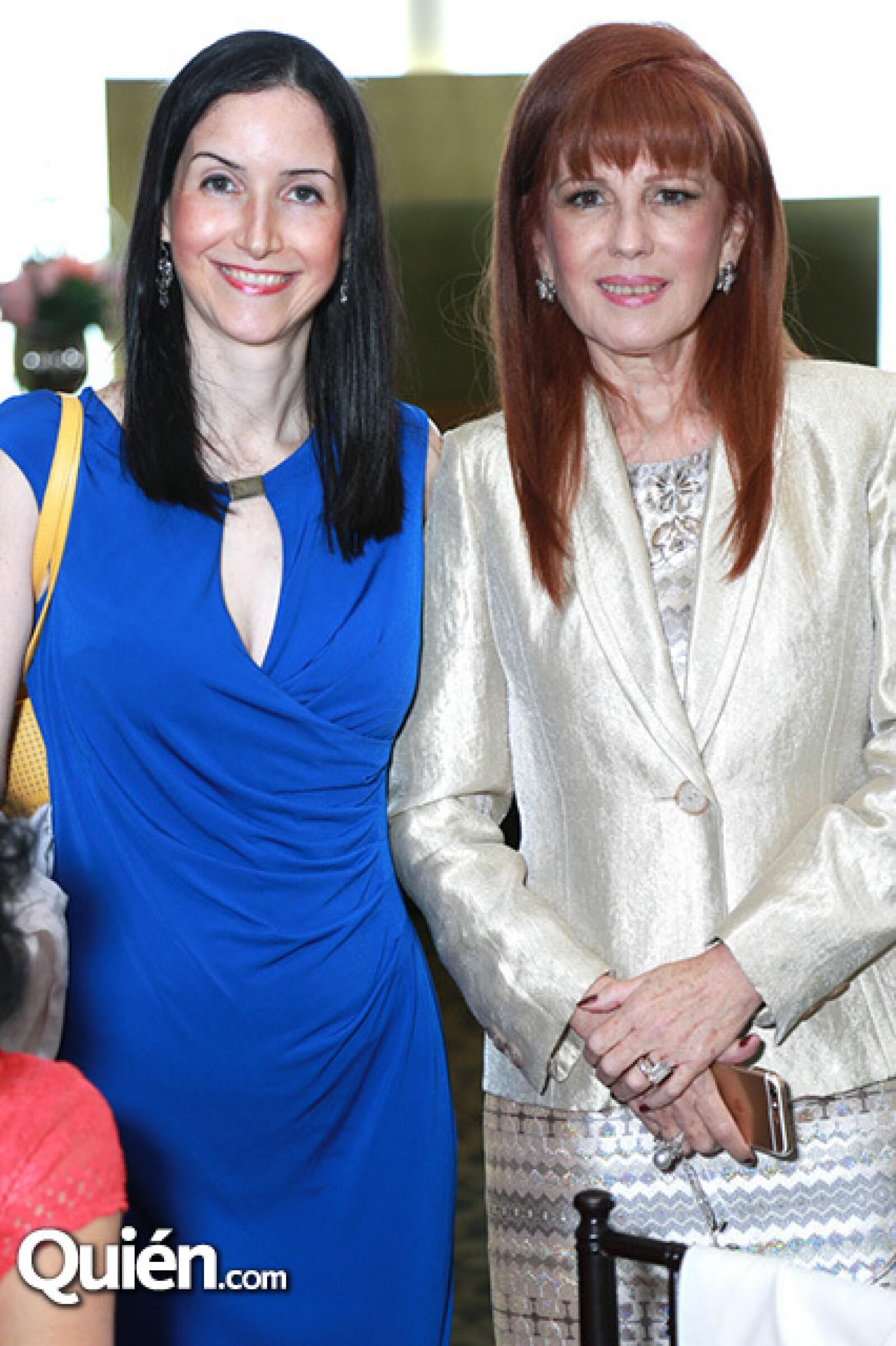 Paulina Morales y Victoria Kuhne de Morales