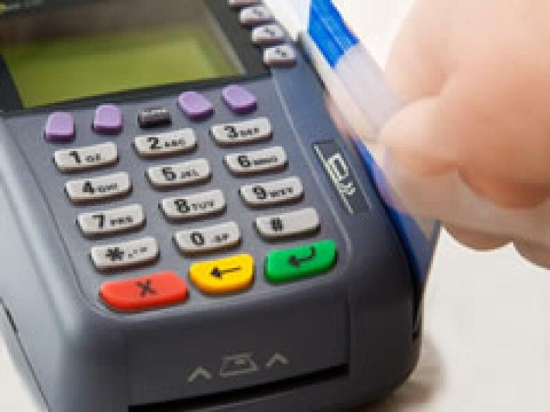 Los bancos también han endurecido el otorgamiento de tarjeta de crédito. (Foto: Archivo)