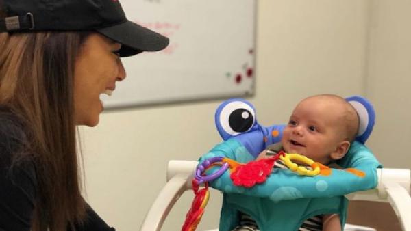 Eva Longoria regresa al trabajo con su bebé, Santiago Enrique 2018