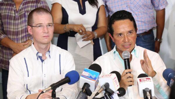 El presidente del PAN, Ricardo Anaya, acompañó al gobernador electo de Quintana Roo, Carlos Joaquín, durante un pronunciamiento contra la impunidad.