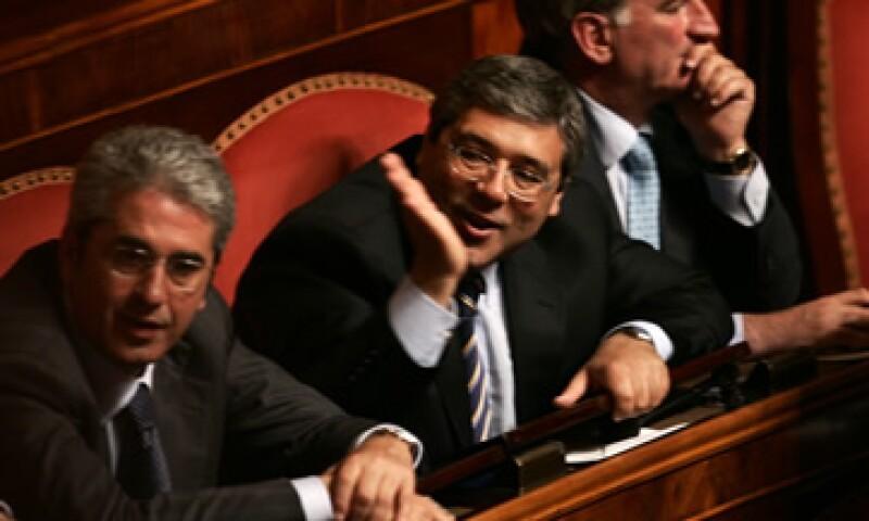 El alto costo de la política y el Gobierno en Italia y los generosos beneficios que obtienen los políticos y funcionarios públicos privilegiados ha sido una fuente de enojo cada vez mayor en el país. (Foto: AP)