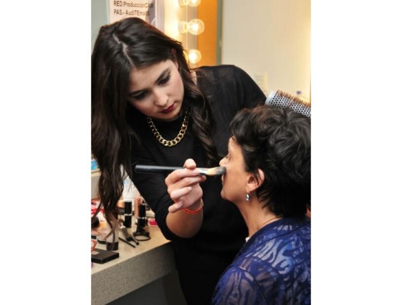 Ofelia Medina en el momento de maquillaje para el FICG.