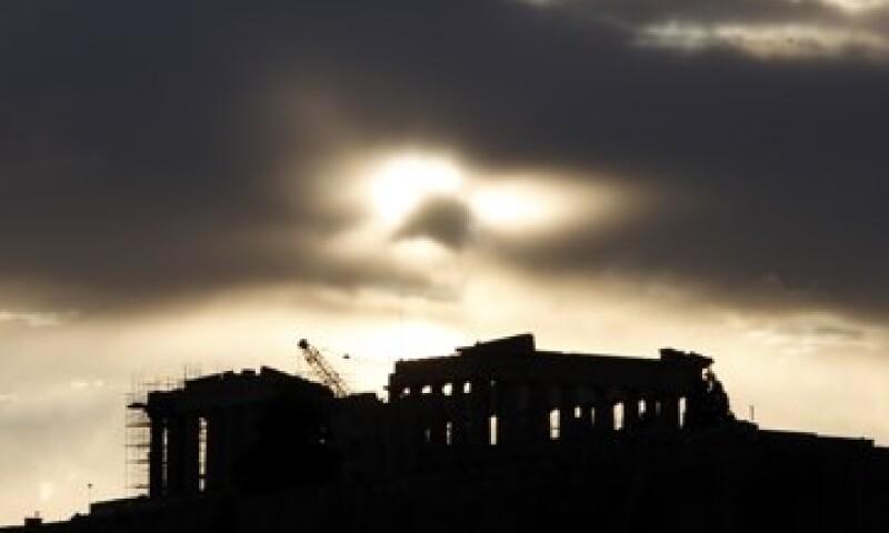 La economía de Grecia se contraerá hasta 11% al 2013, según S&P. (Foto: AP)