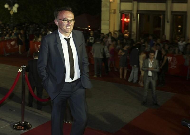 El director británico Danny Boyle llegando a la alfombra roja de la premiere latinoamericana de `Heli´.