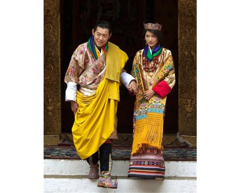 Bután tiene nueva reina, y se trata de una joven hija de un piloto de aviación civil.