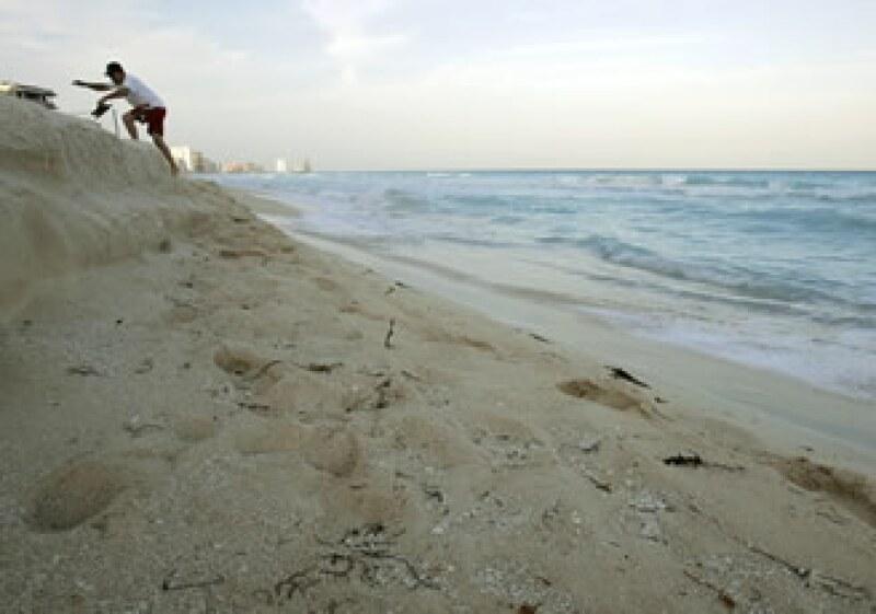 Del total de la inversión privada, se distribuyeron casi 608 millones de dólares pra los destinos de playa. (Foto: AP)
