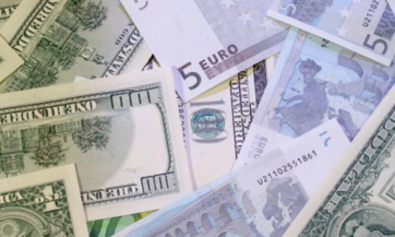 La baja también se debe al cambio en la valuación de los activos internacionales de Banxico. (Foto: Getty Images)