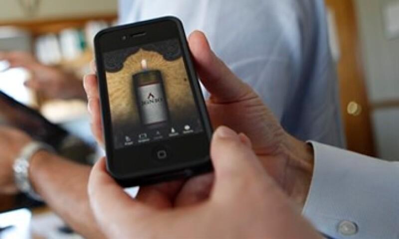 La aplicación Ignio mantiene encendida la vela virtual sólo si el usuario del iPhone la utiliza una vez cada dos semanas. (Foto: AP)