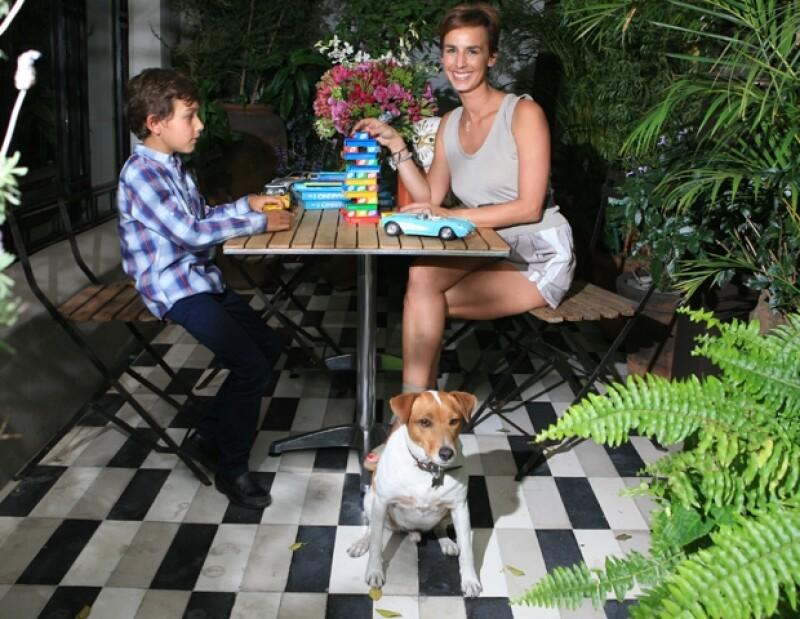 Su hijo Max, de siete años, heredó su personalidad, es por ello que mantienen un vínculo aún más fuerte.