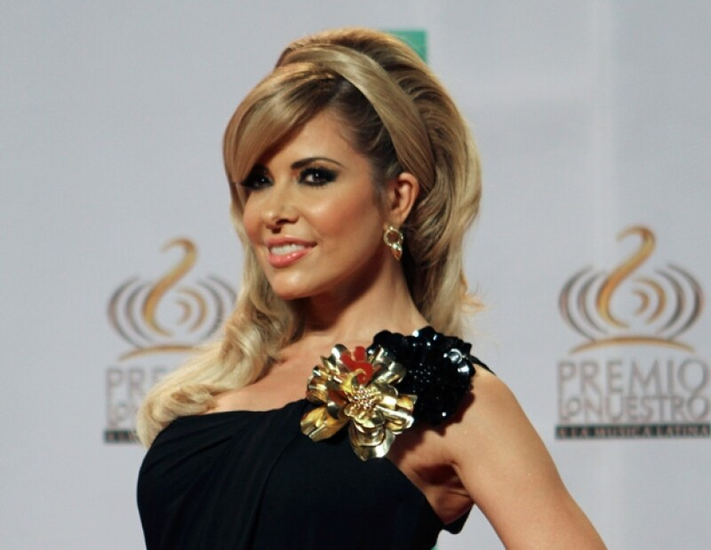 La colombiana, quien no asistió, se alzó con cuatro premios, mientras que Alejandra ganó por Mejor Canción Rock del Año.