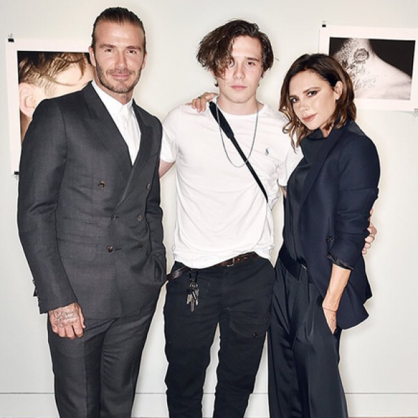 David y Victoria Beckham no pueden más del orgullo