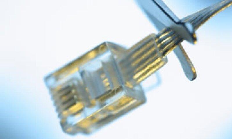Mientras Telcel prepara la introducción de su red 4G en 2012, los expertos aseguran que ésta no funcionará a su máximo potencial sin la banda ancha. (Foto: Thinkstock)