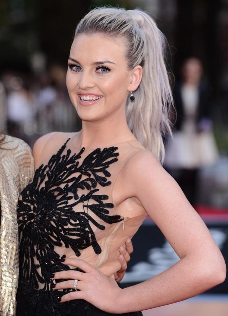 A raíz del compromiso de la joven de 20 años con el integrante de One Direction, nos pusimos a investigar quién es la joven que le robó el corazón al cantante.