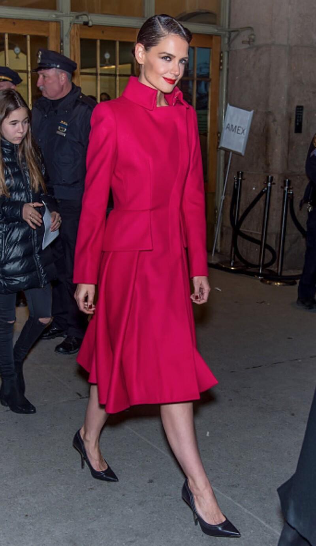La actriz de 36 años ha figurado en los más recientes shows de moda luciendo elegante y sofisticada en sus outfits. Aquí los mejores.