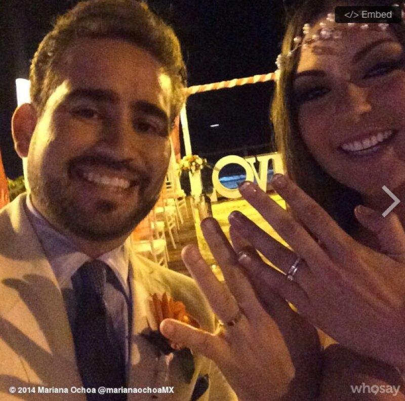 Rosana Nájera compartió una foto en la que se ve a los recién casados.