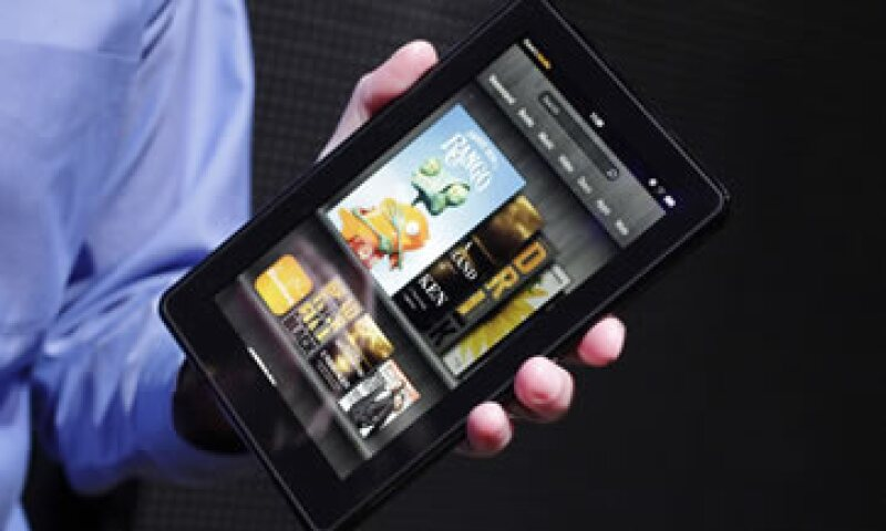 Amazon espera cubrir la pérdida con la venta de libros y películas para la tableta, indica el análisis de IHS. (Foto: AP)