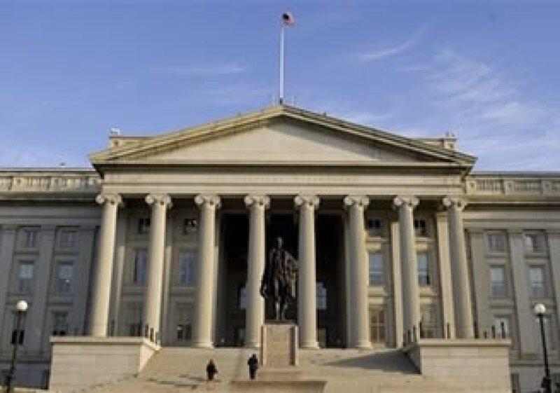 El experto opina que hoy es mejor invertir en el mercado de bonos, antes que en el de acciones o valores. (Foto: AP)
