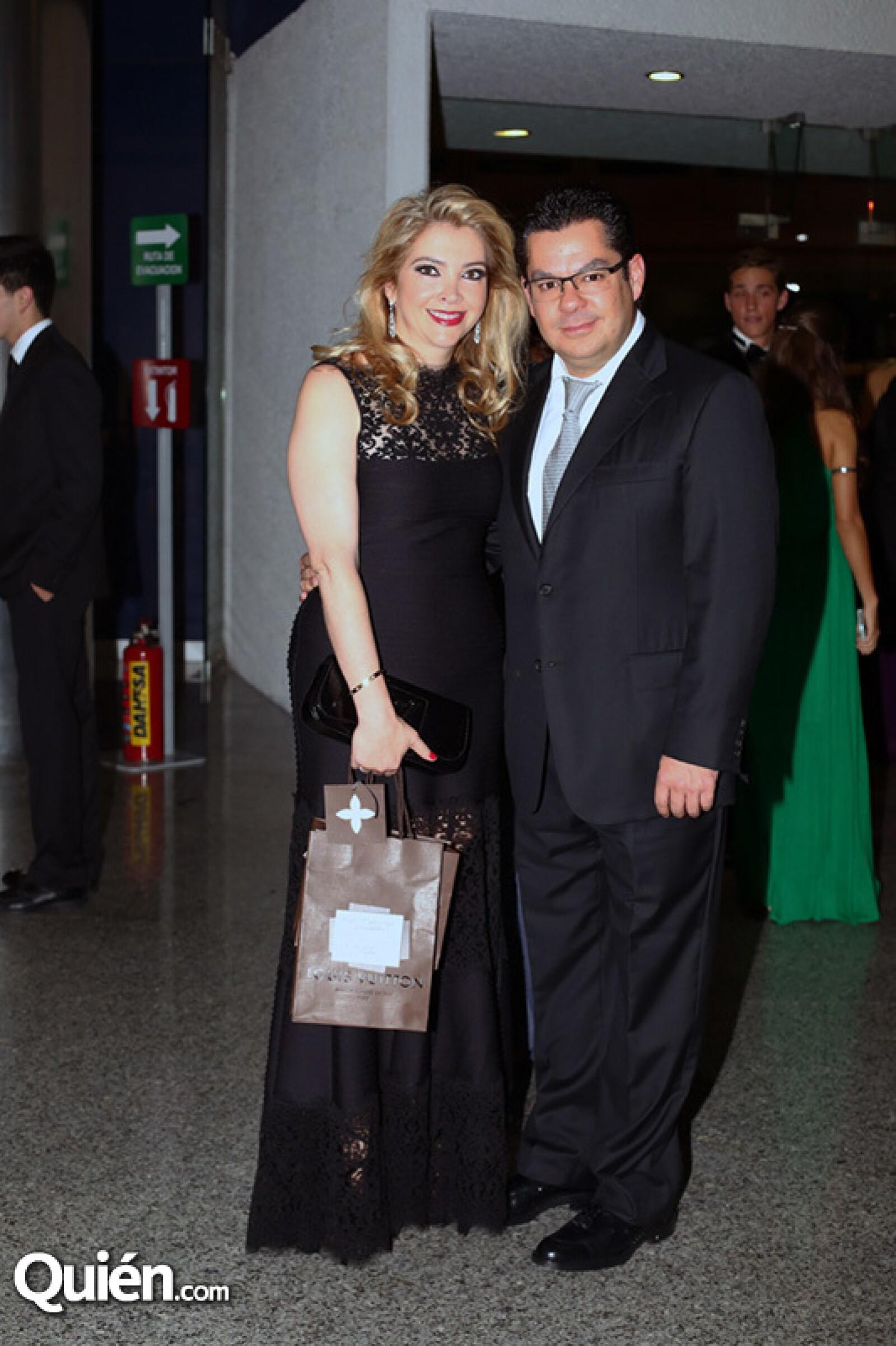 Clara Sámano y Luis Hoyo