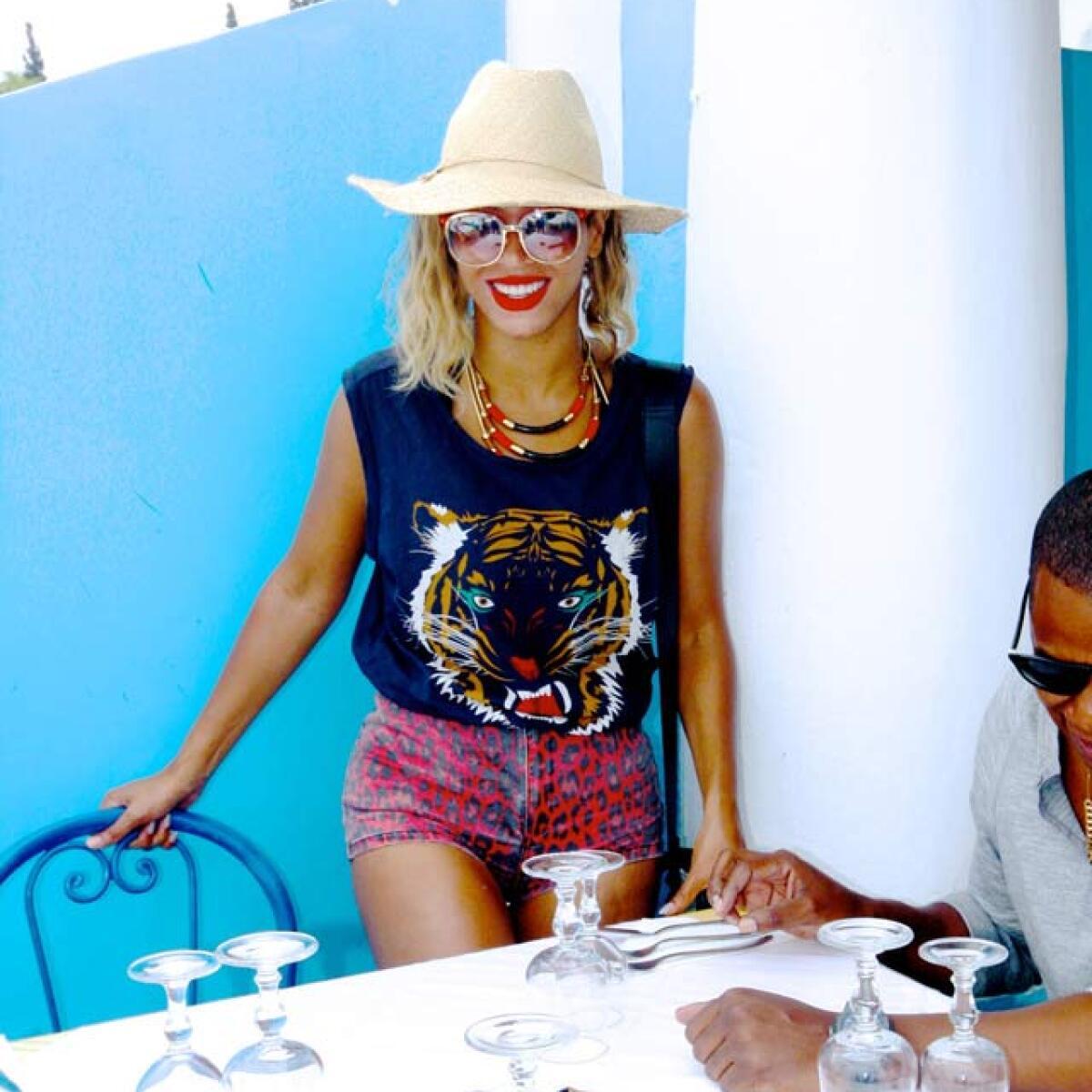 Los looks de Beyoncé por el mundo