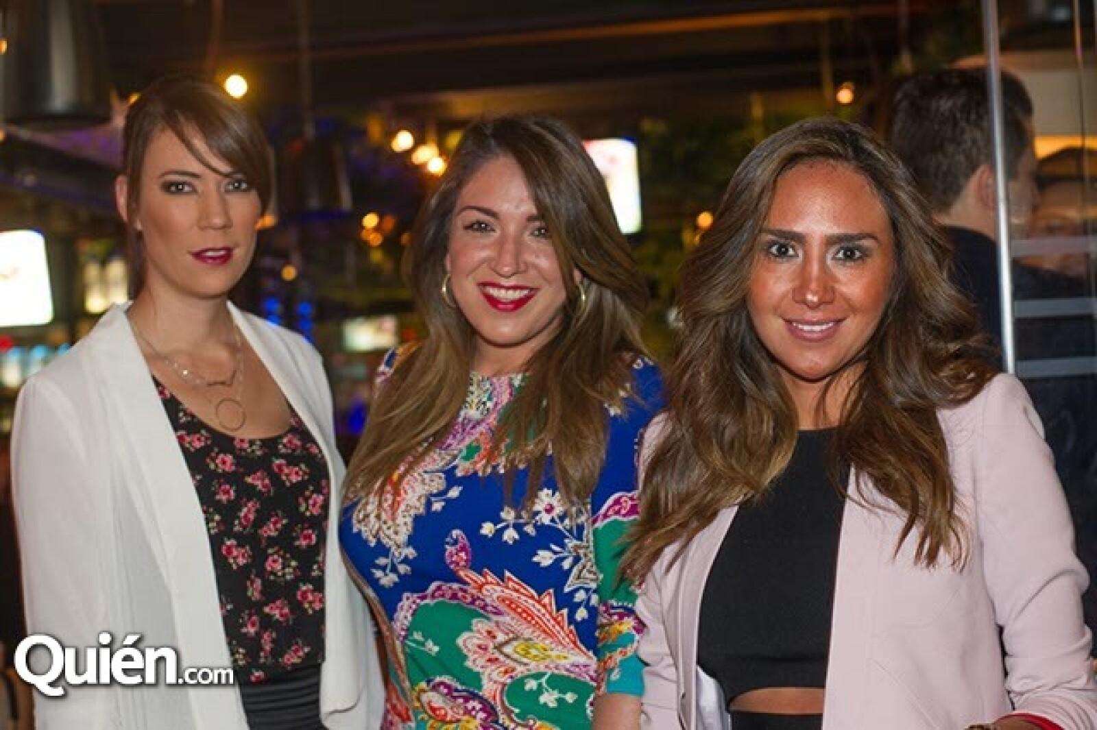 Loretta Gutiérrez,Daniela Riquelme y Mirza Jiménez