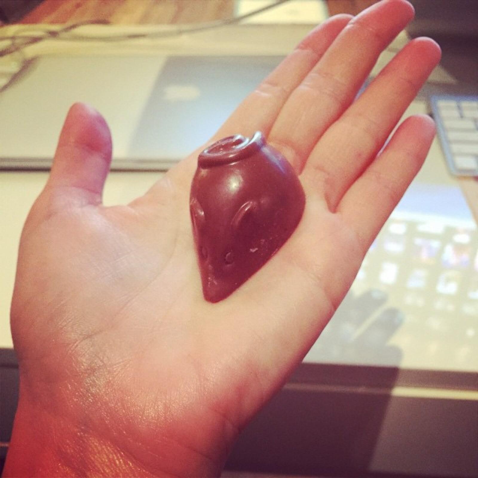 Un ratón de chocolate para la pequeña Sabrina Sakae.