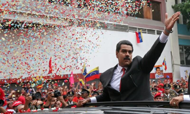 Maduro, un ex chofer de autobús de 50 años, tiene mandato para gobernar hasta el 2019. (Foto: AP)